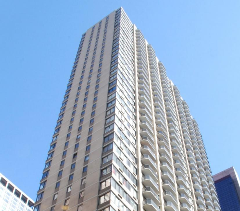 The Ritz Plaza   No-Fee Luxury Apartments for Rent